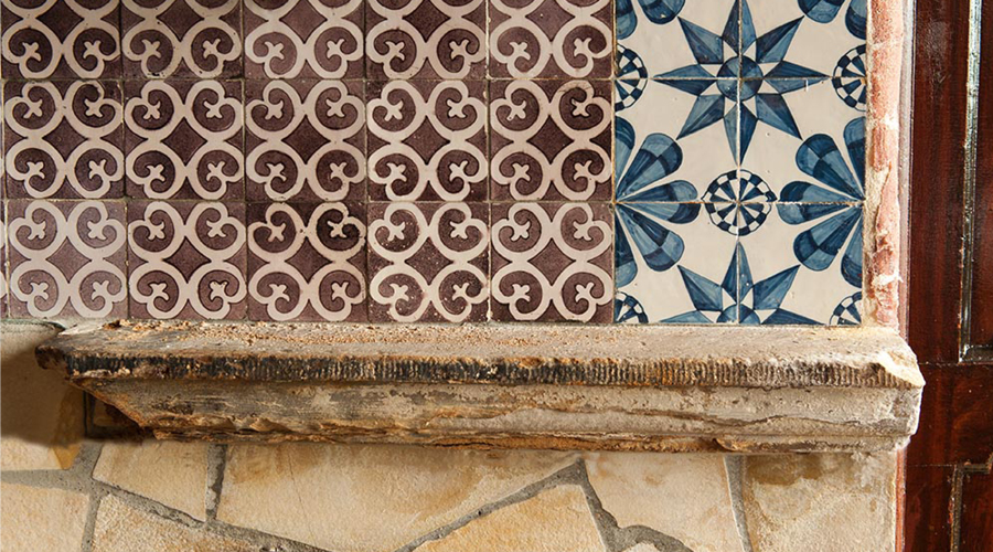 Afbeelding | Tegeltjes van een historische interieur